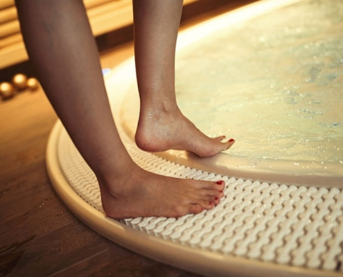 Hot Tub Safety Tips from the Pros at Emerald Spa and Billiards of Grand Rapids - EmeraldLeisureSource.com