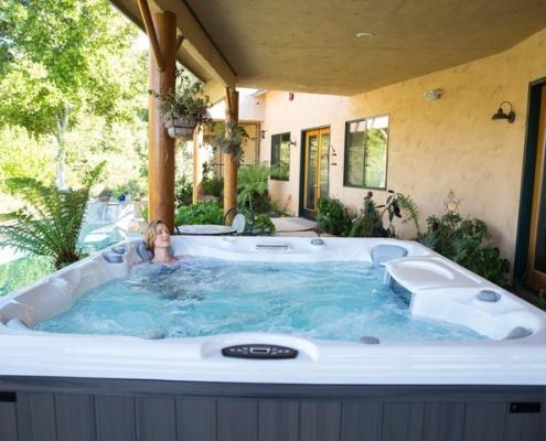 Sundance Hot Tubs Models for Sale in Grand Rapids MI - EmeraldLeisureSource.com