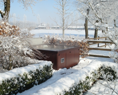 Michigan Winter Hot Tub Car with Tips from the Experts at Emerald Spa and Billiards of Grand Rapids