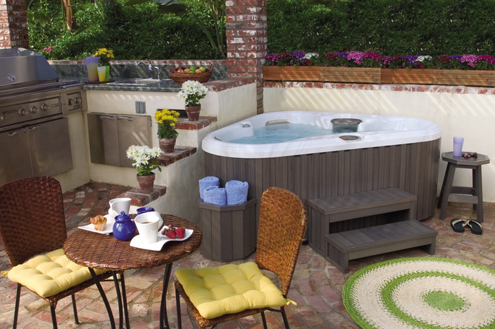 Hot Tub Landscaping Ideas for Privacy in Grand Rapids MI - Emerald Spa and Billiards